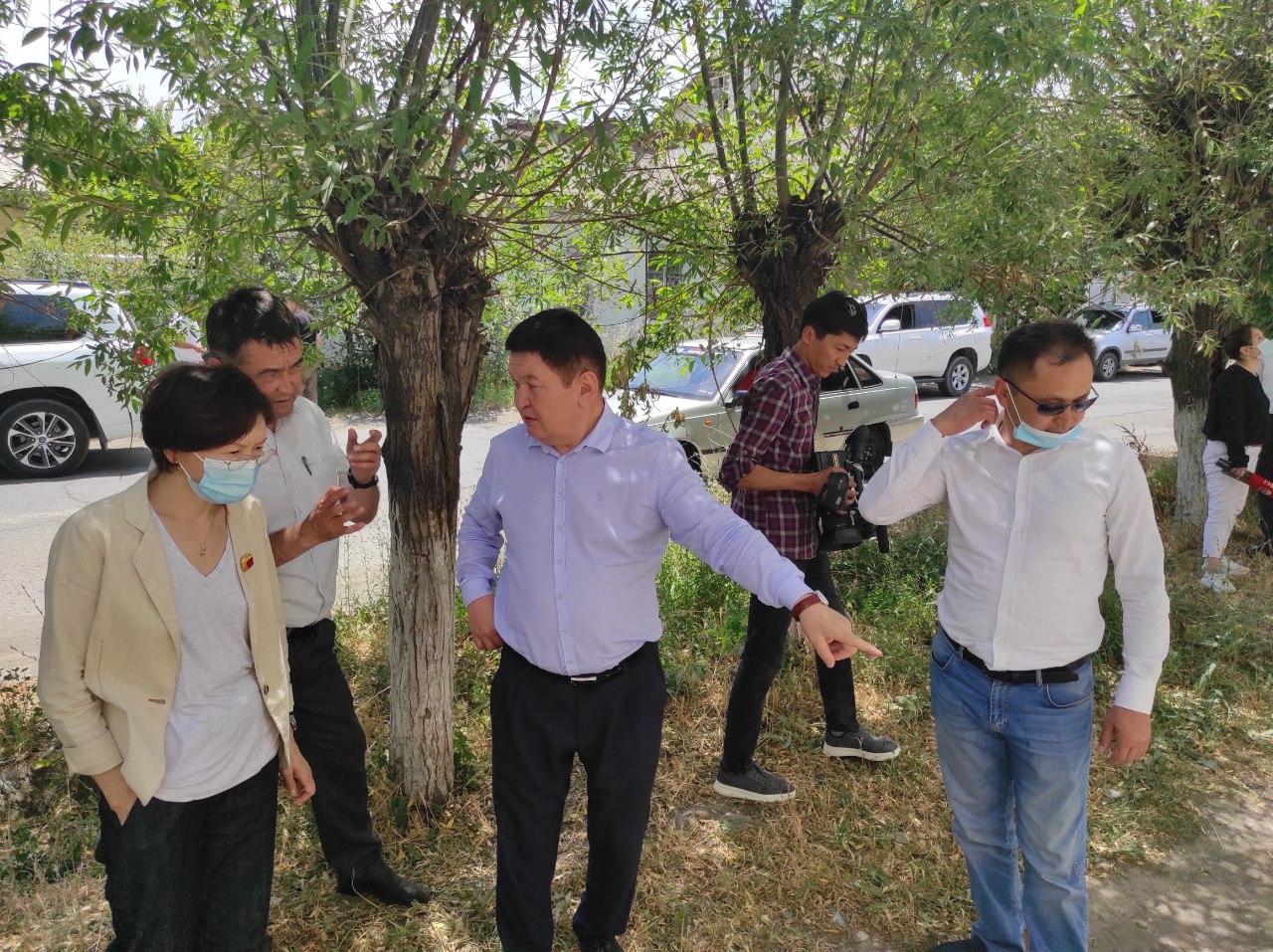 Юстиция министрлигинин жетекчилиги Ош облусундагы көйгөйлүү маселелерди талкуулашты