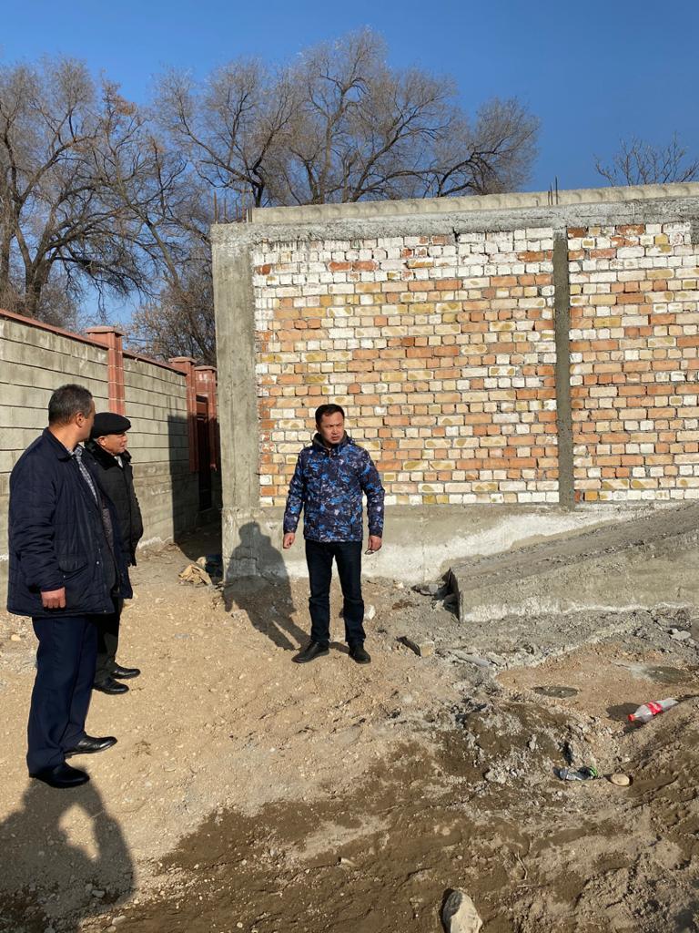 Статс-секретарь Министерства юстиции Календеров Улугбек ознакомился с ходом строительства Дома юстиции в городе Таш-КумырДжалал-Абадской области